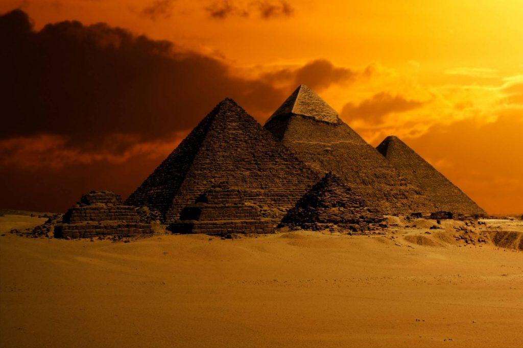 LES PYRAMIDES D'EGYPTE - SYMBOLISME ET ENERGETIQUE